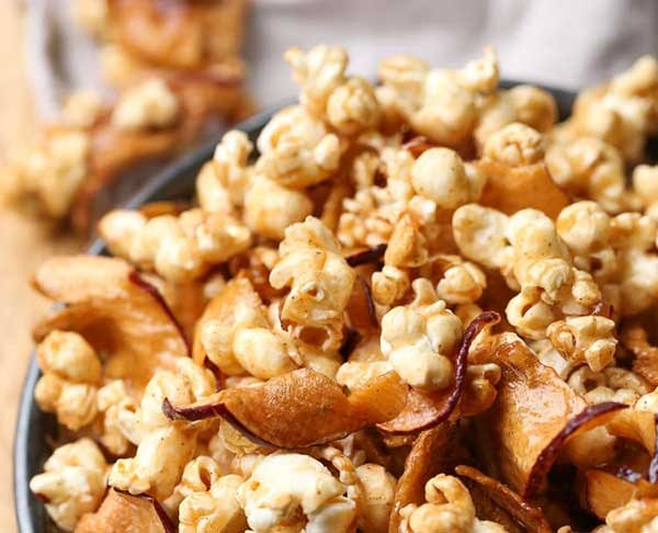 Apple and caramel popcorn